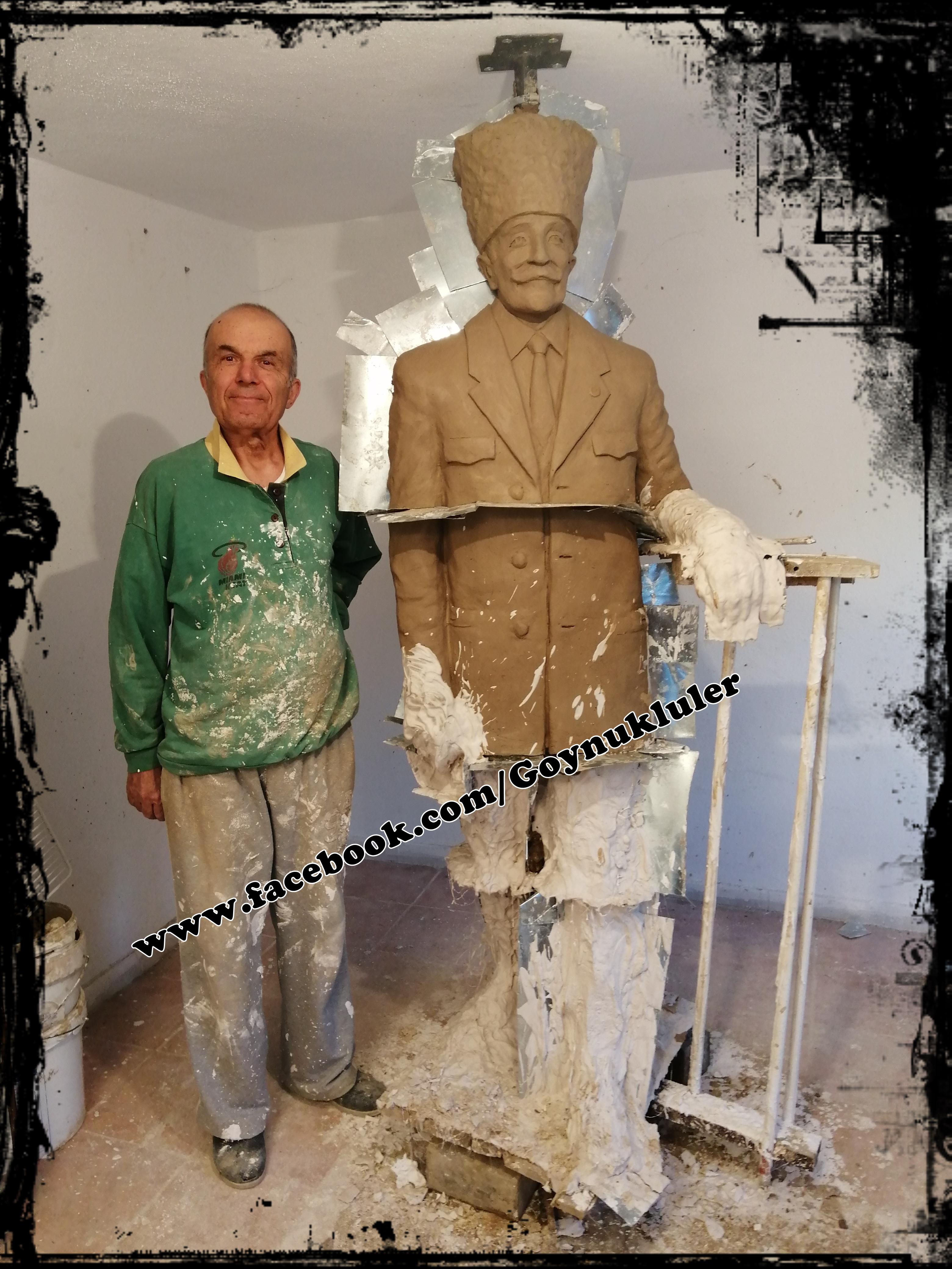 zafer-kulesi-heykeli